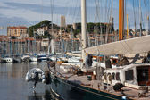 Luxury yachts in harbor of cannes, france — Stock Photo