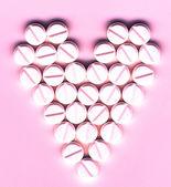 Shape of heart made of pills — Fotografia Stock