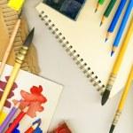 uma moldura feita de ferramentas profissionais para desenho, isolado no branco — Foto Stock