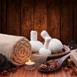 Spa massage setting with candlelight - Foto Stock