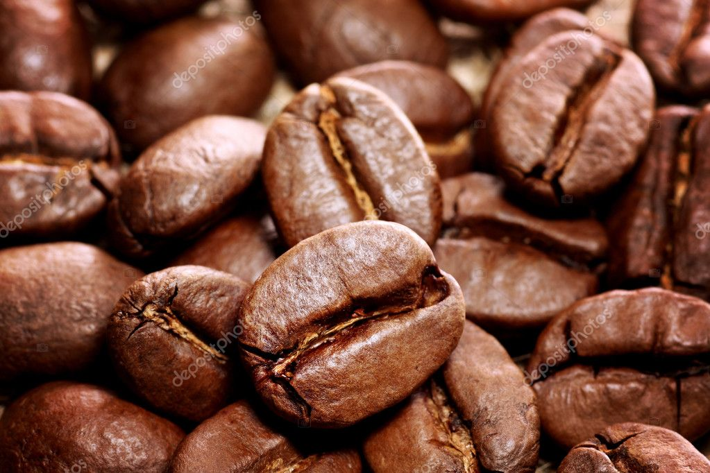 Closeup image of fresh roasted coffee beans — Stock Photo #9012301