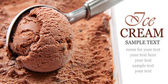Chocolate ice cream scoop — 图库照片