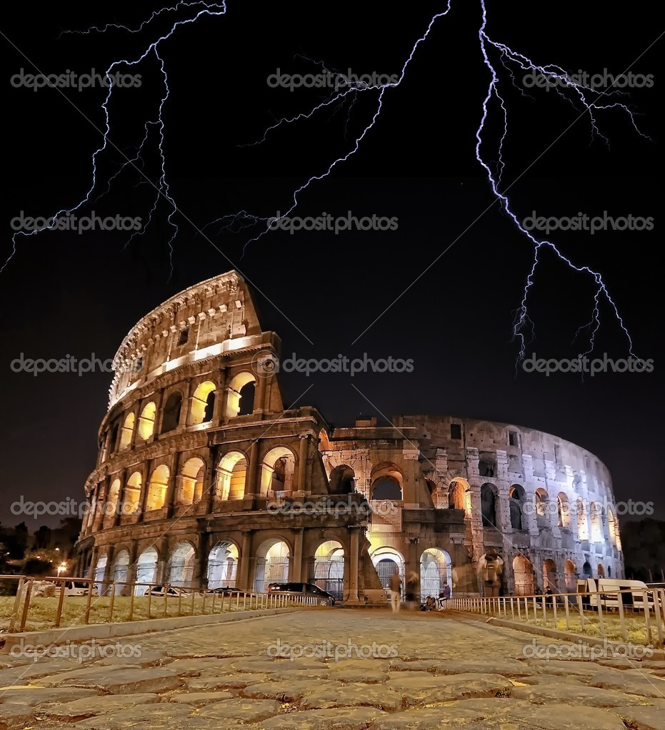 Colosseum with rays. — Stock Photo #8121386