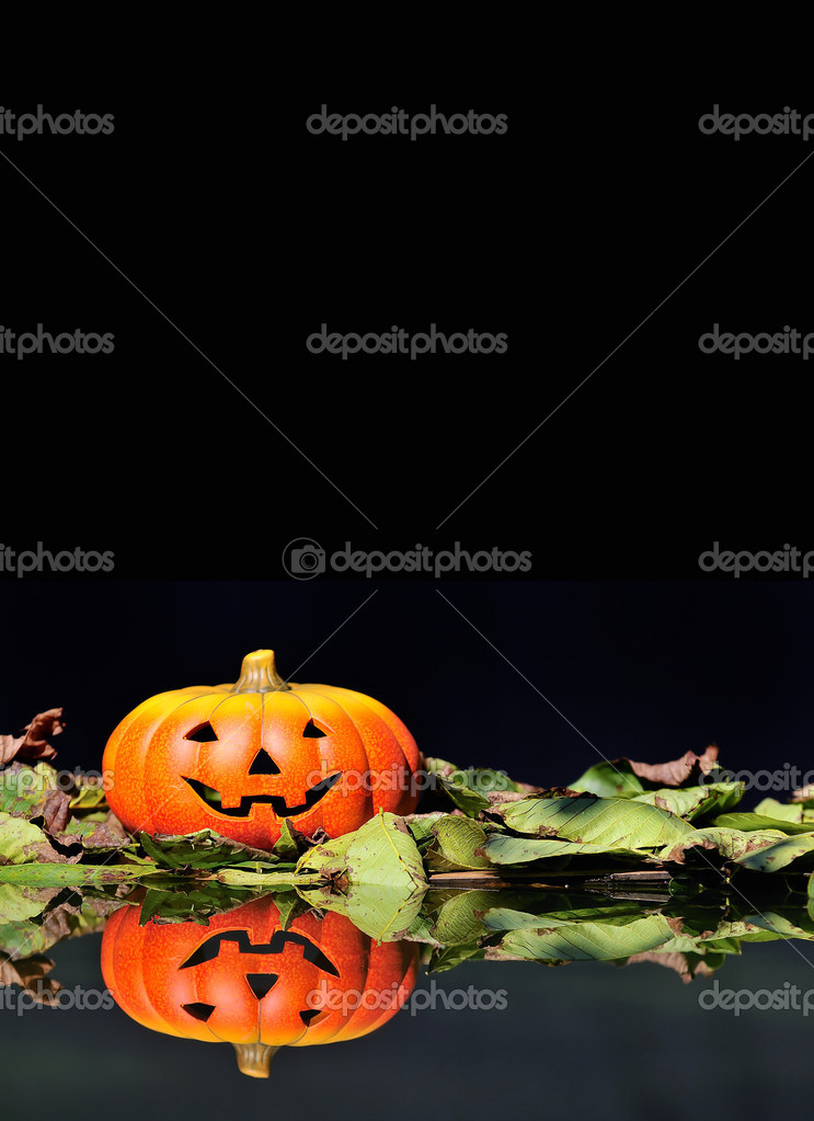 Halloween pumpkin  in the forest. — Stock Photo #9857104