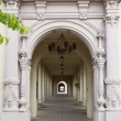 Archway with beautiful columns — ストック写真