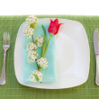 Easter place setting with spring flowers and blossom — Stock Photo #9634177