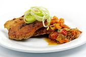 Steak de porc avec légumes — Photo