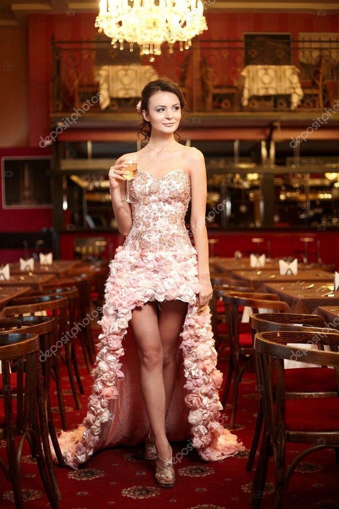 Платья в ресторан