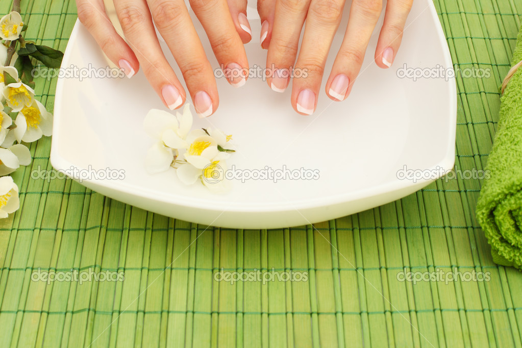 Hands spa - manicure in  beauty salon — Stock Photo #9552354