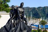 Fishermans's statue at Marmaris city embankment — Stock Photo