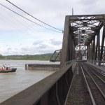 Tug Approaches Swing Bridge — Stock Photo #10378443