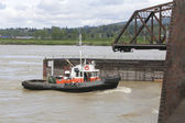Tug and Swing Bridge — Stock Photo