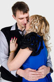 Portrait of a kissing young couple — Stockfoto