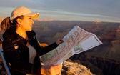 Woman exploring the Grand Canyon — Stock Photo