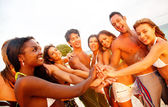 Friends at the beach — Stock Photo