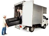 有一个沙发送货人 — 图库照片