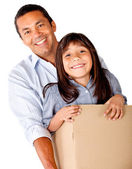 Man moving with his daughter — Stock Photo