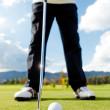 Hitting the ball at golf — Stock Photo