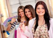 Group of shopping girls — ストック写真