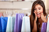 Eccitato dello shopping donna — Foto Stock