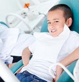Kid op de tandarts — Stockfoto