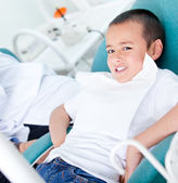 Kid at the dentist — Stock Photo