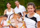 Tenisista z rodziną — Zdjęcie stockowe