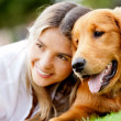 Stockfoto: Womwith her dog