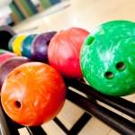 coloridas bolas de boliche — Foto de Stock