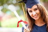 Mujer en la graduación — Foto de Stock
