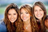 Grupp av kvinnliga vänner — Stockfoto