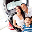 Family buying a car — Stock Photo