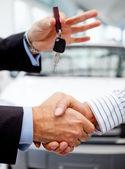 Achat d'une voiture — Photo