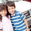 Buying a family car — Stock Photo