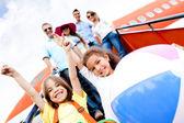 Niños felices de vacaciones — Foto de Stock