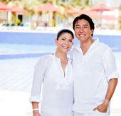 彼らの休日を楽しむカップル — ストック写真