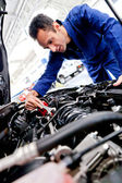 Man fixing a car — Stock Photo