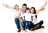 счастливые семьи улыбается — Стоковое фото