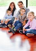 Prachtige familie — Stockfoto