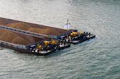 Frachtschiff mit sand gefüllt — Stockfoto