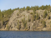 Rock Parnassus over Jastrebinoe lake. Russia, Leningrad region, — Stock Photo