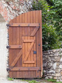 Open gate — Stockfoto
