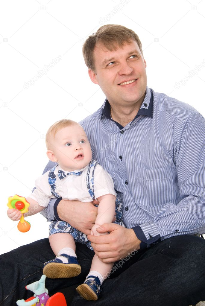 Portrait of a beautiful happy father and the little cute baby.Isolated on white — Stock Photo #9515933