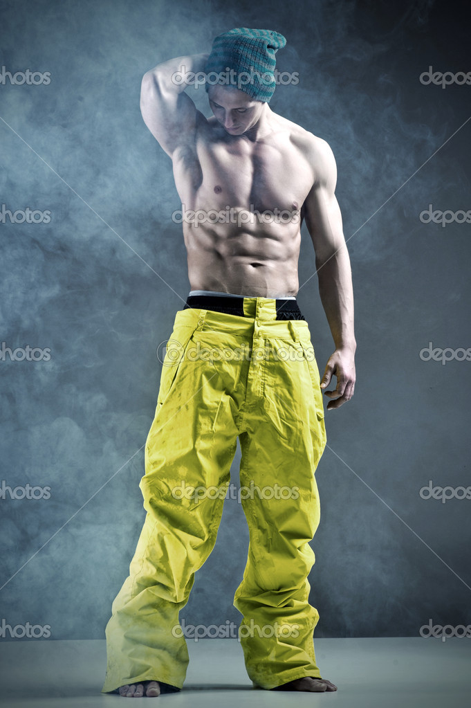 Good looking bodybuilder posing — Stock Photo #10557103