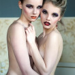 Two nude beauty women — Stock Photo