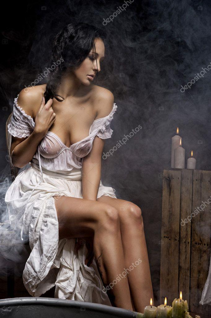 Pretty Woman Bathtub Traurige Frau Mit Kerzen Und Bad