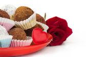 Valentine chocolate truffles — Zdjęcie stockowe