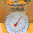 Kitchen scales with fruit. — Stok fotoğraf