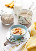 Porridge with bananas — Stock Photo
