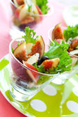 Salade met fruit en kaas — Stockfoto